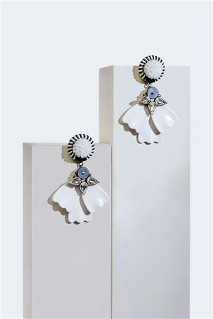 Dahlia Petale Resortwear Drop Earrings